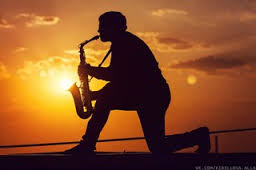 К вашим услугам опытный саксофонист Анатолий